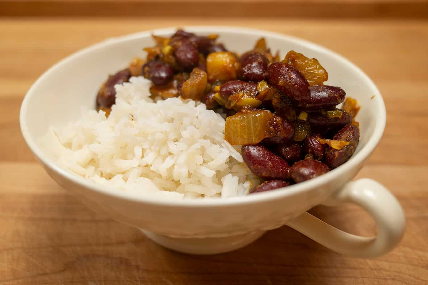 Indian kidney bean stew called Junjaro